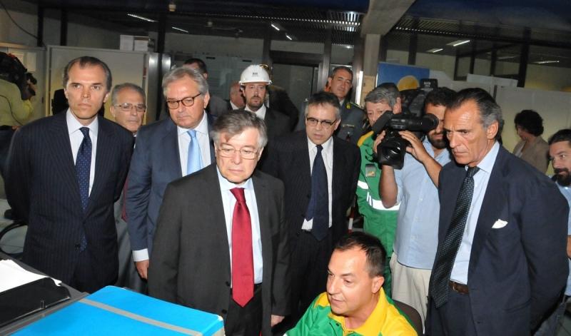 Il Ministro Zanonato in visita all'Api. «Abbiamo ancora bisogno di raffinerie»