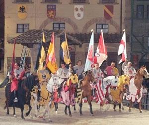 Partenza al galoppo per l'avvio delle feste. Venerdì 19 Luglio i Cavalieri di Arezzo