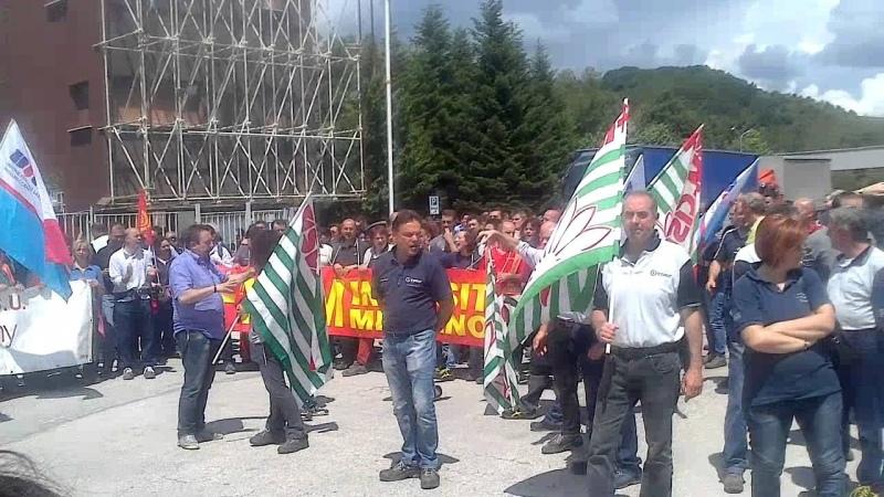 Giornata di scioperi a «gatto selvaggio». Negli stabilimenti di Melano e Albacina