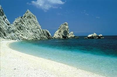 La Spiaggia delle Due Sorelle tra le più belle