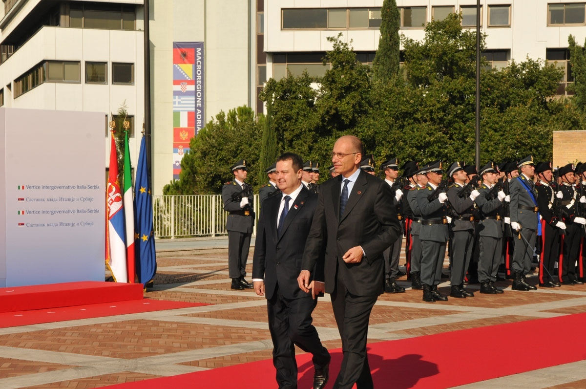 Vertice Italo-Serbo in regione. Letta: «La Serbia sarà la 29° stella dell'Ue»