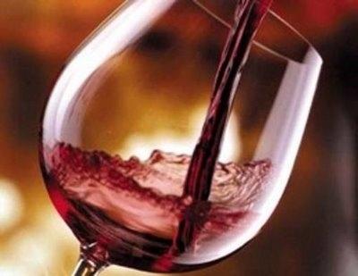 """Simply sostiene le eccellenze vinicole nazionali con l'iniziativa """"DiVino…in vino"""""""